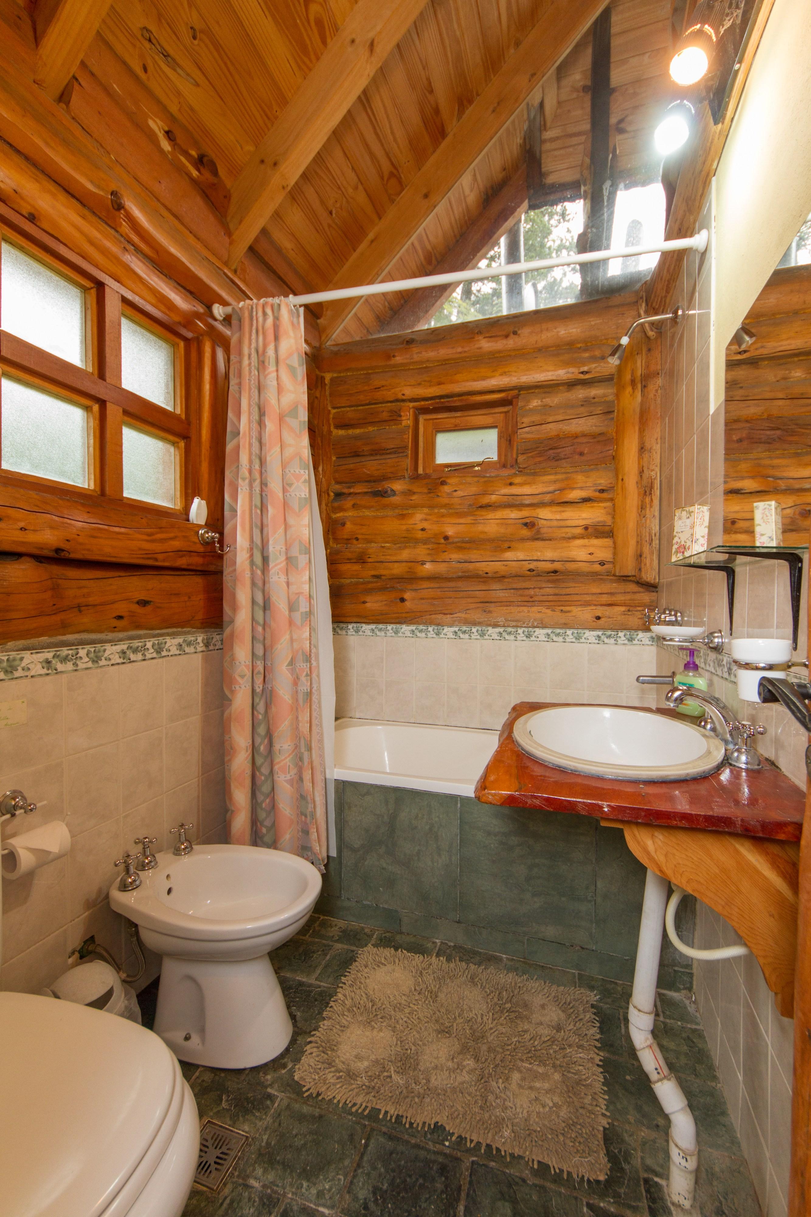 Argentina Listing – Lakefront Cottage Morenito 5
