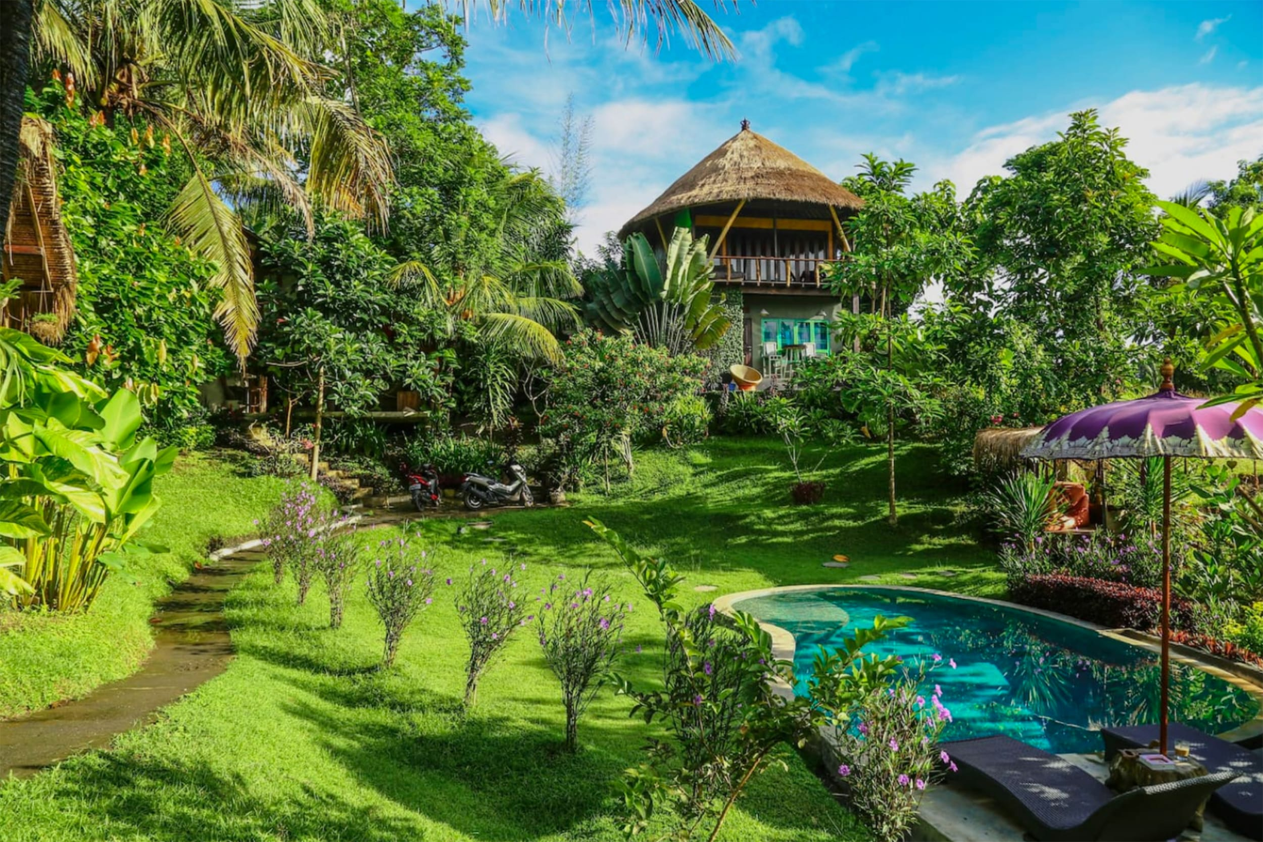 Balian Treehouse w Beautiful Pool, Bali, Indonesia